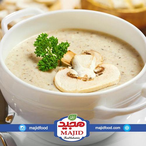سوپ قارچ و مرغ خامه ای