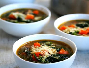 سوپ اسفناج و پاستا