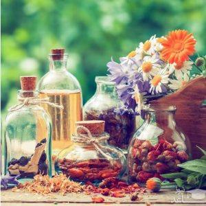 معرفی عرقیات گیاهی و فواید و نحوه مصرف آن