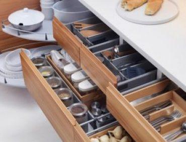 نحوه مرتب کردن ظروف داخل کابینت ها